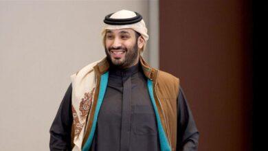 """صورة جاكيت وشال """"محمد بن سلمان"""" يثيرا اهتمام السعوديين"""