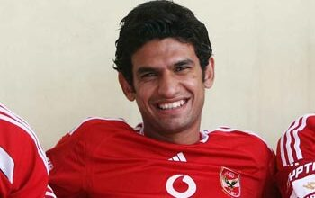 صورة لاعب الأهلي المصري يعلن تشجيع الدحيل ضد فريقه السابق