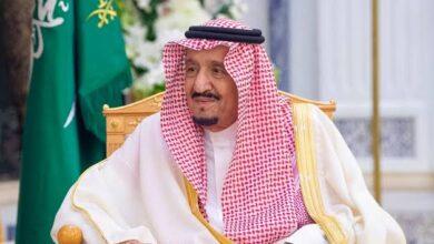 """صورة """"الملك سلمان"""" يعفي وزير الحج والعمرة من منصبه ويُعين """"عصام بن سعيد"""" بدلاً منه"""