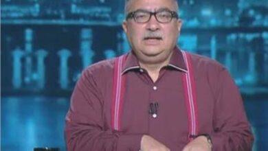 """صورة الإعلامي """"إبراهيم عيسى"""" ينجو من الموت أثناء تصوير أحد حلقات برنامجه"""