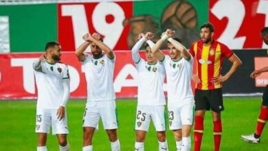 صورة فضيحة كروية في مباراة الترجي ومولودية الجزائر