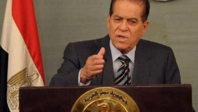 صورة الموت يغيب كمال الجنزوري رئيس وزراء مصر الأسبق عن عمر يناهز 88 عامًا
