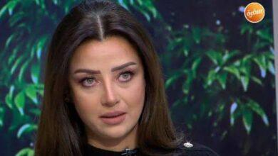 """صورة فيديو.. """"رضوى الشربيني"""" تنفجر من البكاء على الهواء في أول ظهور لها بعد وفاة والدتها"""