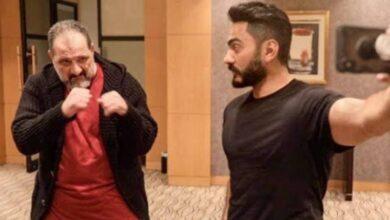"""صورة فيديو.. """"تامر حسني"""" و""""خالد الصاوي"""" يشعلان مواقع التواصل الاجتماعي برقصة سويًا"""