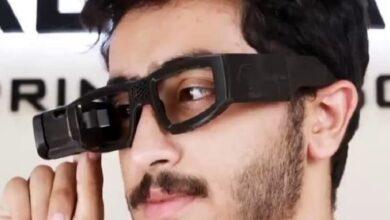 """صورة الطالب المصري """"عمر عبد السلام"""" يبتكر نظارة تساعد على التواصل مع الصم والبكم"""