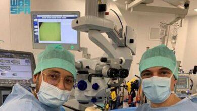صورة طبيب سعودي ينجح في إعادة البصر لمريض فرنسي