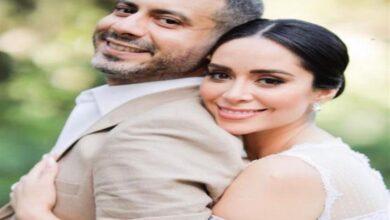 """صورة """"محمد فراج"""" يداعب زوجته """"بسنت شوقي"""": أنا لا أطيق الانتظار"""