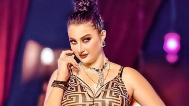 """صورة فيديو.. الراقصة """"صافيناز"""" تثير الجدل بفيديو تظهر فيه شبه عارية"""